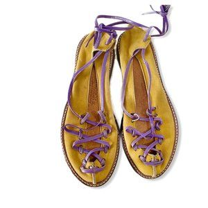 True Vintage yellow ghillie flat shoes, size 6